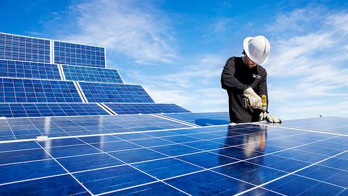 Corso per diventare Installatore di pannelli fotovoltaici, retribuito