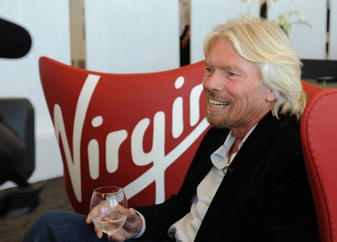 Richard Branson, fondatore della Virgin, cancella l'orario di lavoro